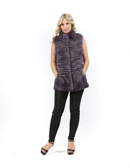 42 Fur vest in purple Women's rabbit with a mandarin collar and foldaway hooks 42