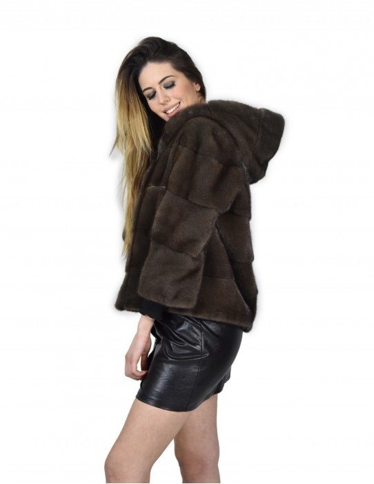 46 mink fur jacket horizontal mud-colored asphalt woman with cap and 3/4 sleeve