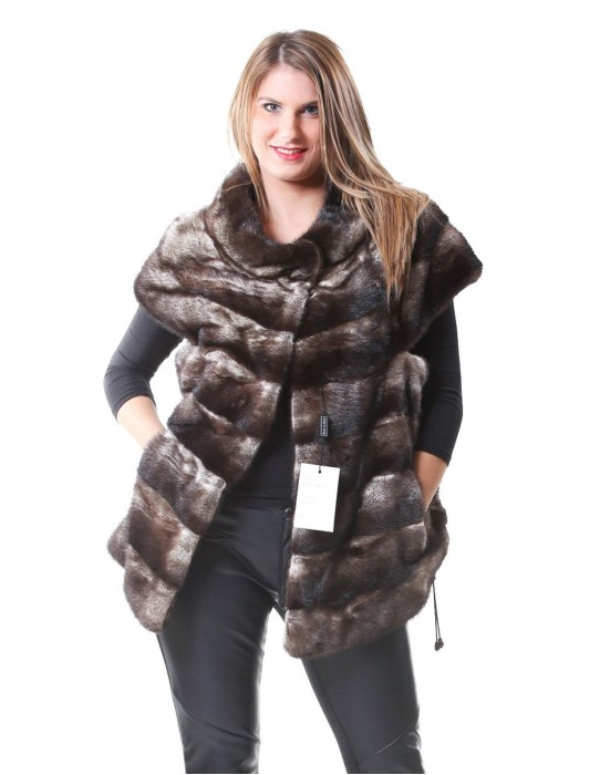 46 Women's fur horizontal mink clasred sand color dart and coulisse bottom