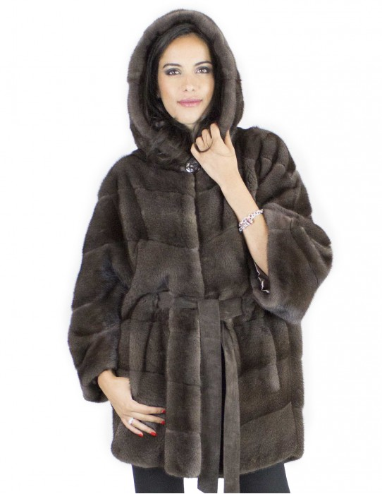 Jacket cape mink fur cap 48 with dove-colored visible inner belt