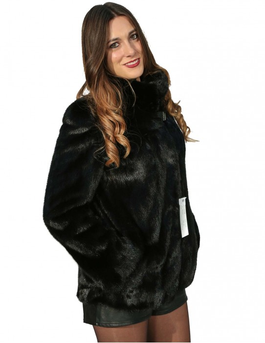 42 women's fur mink jacket with flared collar and collar with rhinestone button