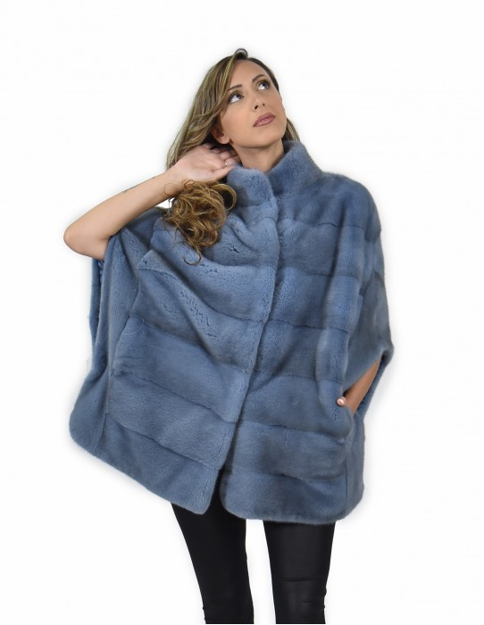 44-50 mink cape horizontal entire skin blue powder with silk lining and piping