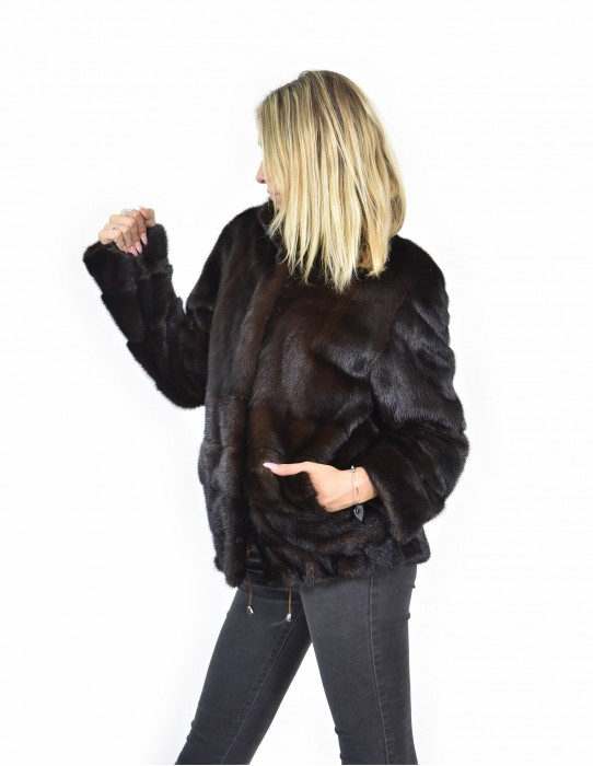46 Mink coats entire piping mahogany skin and horizontal bottom and coat sleeves