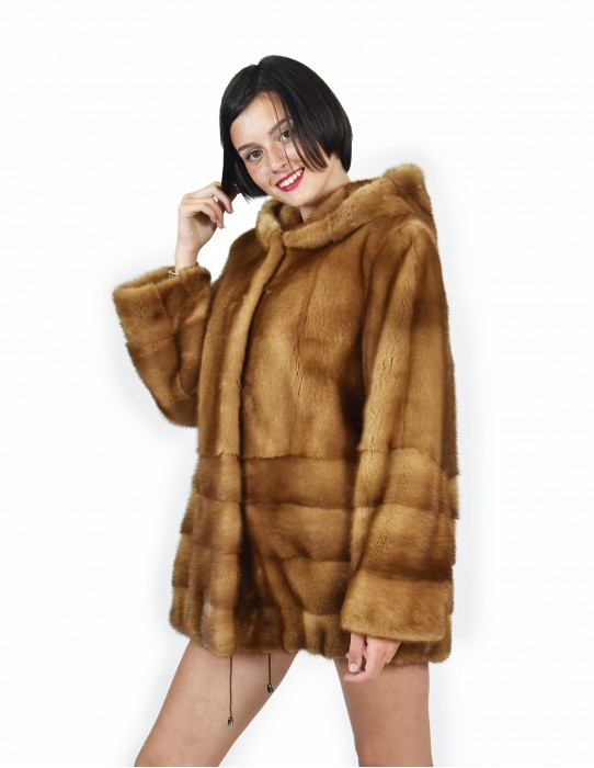 50 Cap mink gold full mount and horizontal bottom and coat sleeves