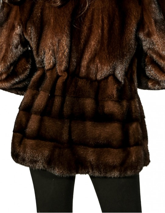 WOMAN WITH FUR COAT SCANBROWN COULISSE LIFE FUND WORKED WITH CROSS
