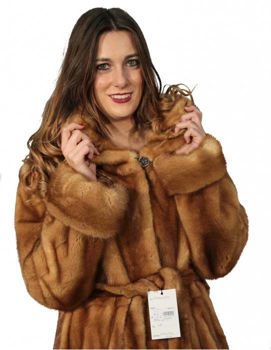 MINK FUR COAT WOMAN WITH GOLDEN HOOD AND BELT