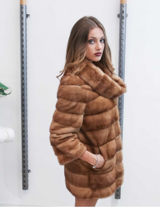 42 Women's fur studio B Braschi horizontal mink coat detachable collar